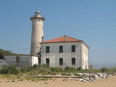 800px-Bibione_leuchtturm