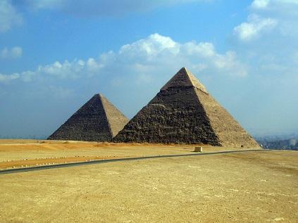 Pyramidy ke Káhiře a Egyptu neodmyslitelně patří