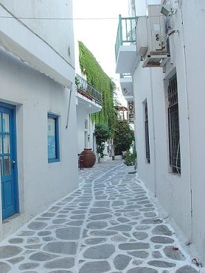 Typické řecké uličky na Mykonosu