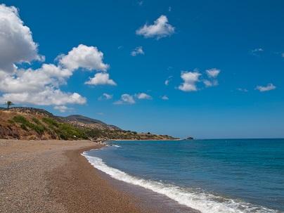 Na Kypru najdete krásné pláže...