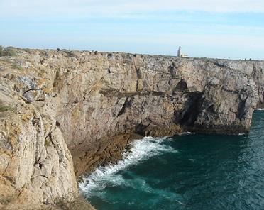 Algarve nabízí mnoho podobných krásných přírodních scenérií...