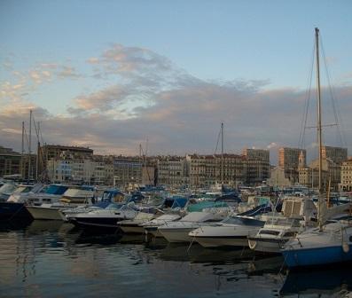 Marseillský přístav je místem, které každoročně láká miliony lidí z celého světa.