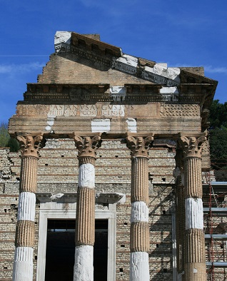 Chrám Tempio Capitolino