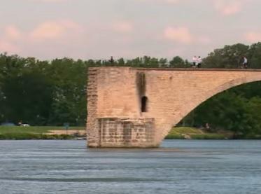 Most svatého Bénézeta v Avignonu...